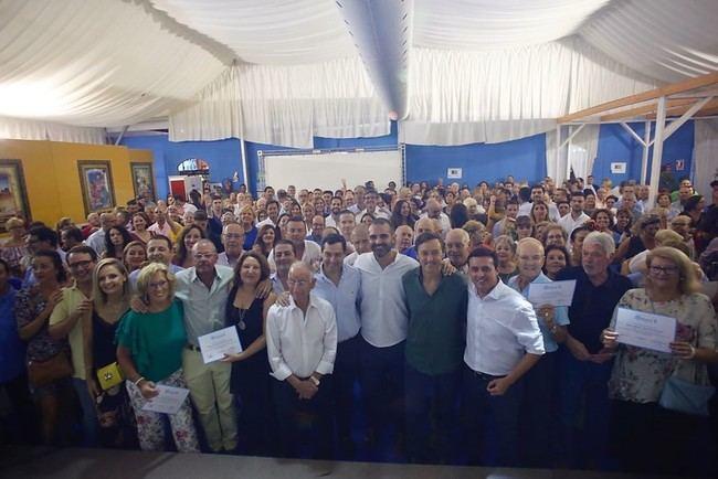Juanma Moreno llena El Cañillo de afiliados al PP