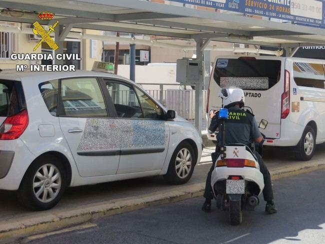 Detenida una vecina de Adra que transportaba 20 gramos de cocaína y heroína en un taxi