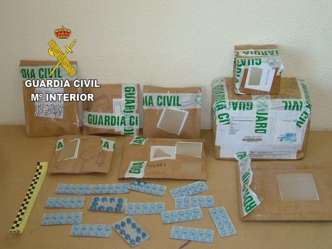 La Guardia Civil interviene más de 2800 pastillas ilegales para tratar la disfunción eréctil en Huércal Overa