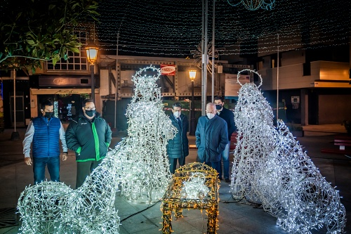 Roquetas de Mar enciende la Navidad en todas sus calles