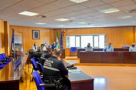 Campaña del Ayuntamiento de Roquetas de Mar en apoyo al taxi