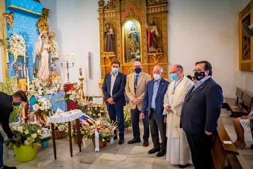 Emotiva ofrenda floral en honor a la Virgen del Rosario