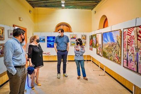 Isabel Toresano, María Dolores Triviño y Ágatha Rodríguez visten las paredes de El Faro