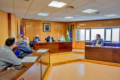 """El Ayuntamiento de Roquetas concede subvenciones a la parroquia del Rosario y a """"Entre flamencos"""""""