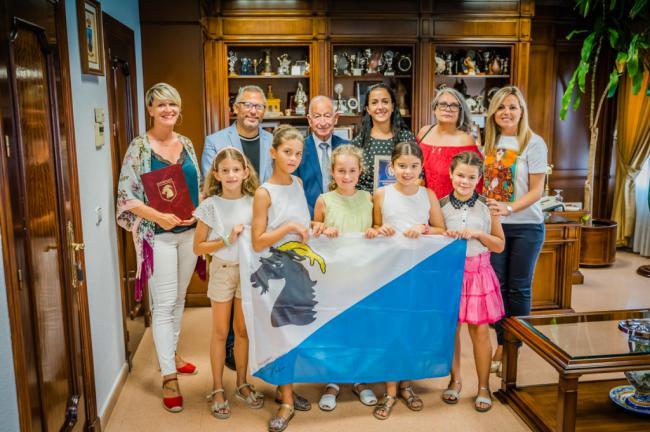 La bailaora roquetera María Carricondo recibe la medalla de oro de la Orden de la Sonrisa en Polonia