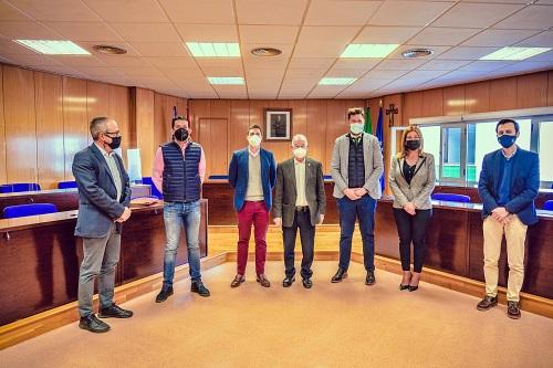 El Ayuntamiento de Roquetas firma 4 contratos de servicio por más de dos millones y medio de euros