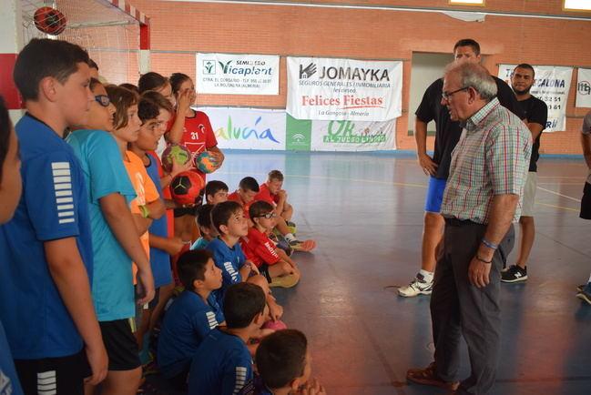 El II Campus Internacional de Baloncesto de Vícar llega a su ecuador