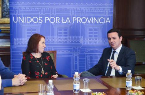 Primer encuentro institucional entre el presidente de la Diputación y la secretaria general de UGT