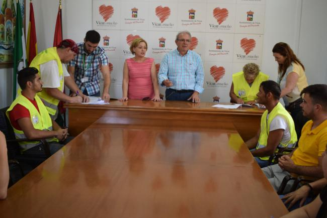 Vícar Incorpora A Otros 44 Trabajadores Del Programa De Empleo De La Junta De Andalucía