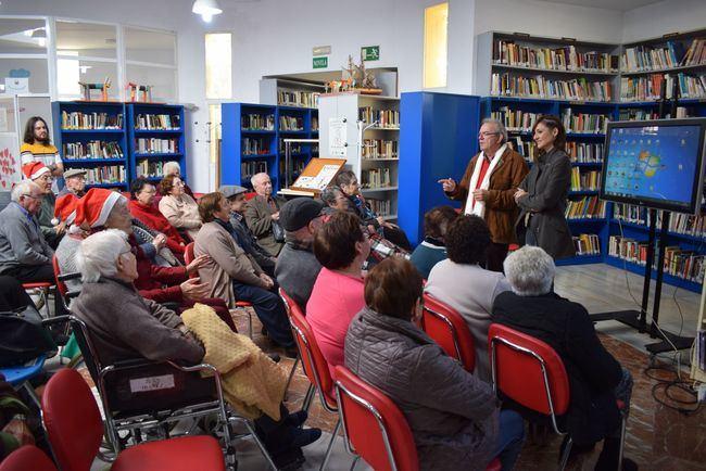 Cuentos Dramatizado De Los Mayores De Vícar Para Celebrar El Día De La Lectura En Andalucía