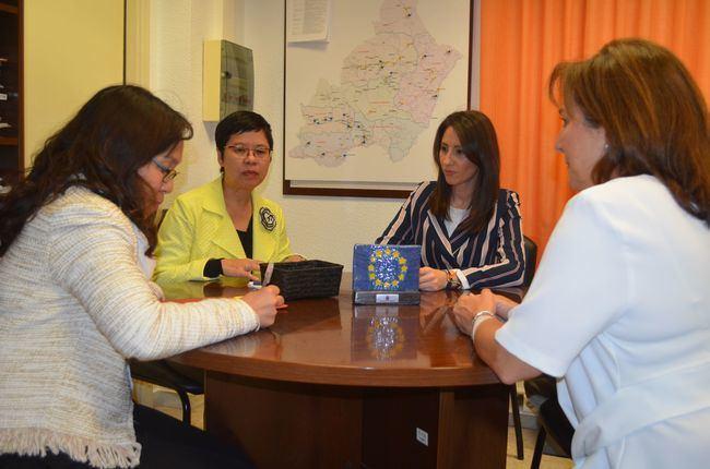 La Embajada de Tailandia conoce el modelo agrícola de Almería a través de Diputación