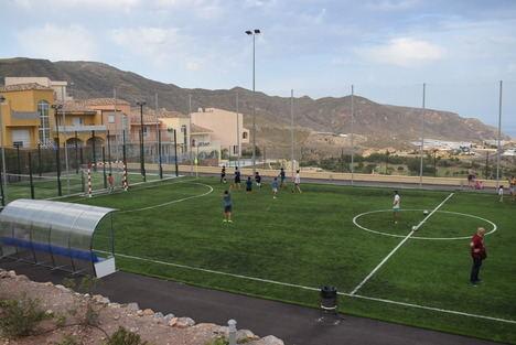 Jornada de puertas abiertas en las nuevas instalaciones deportivas de La Envía