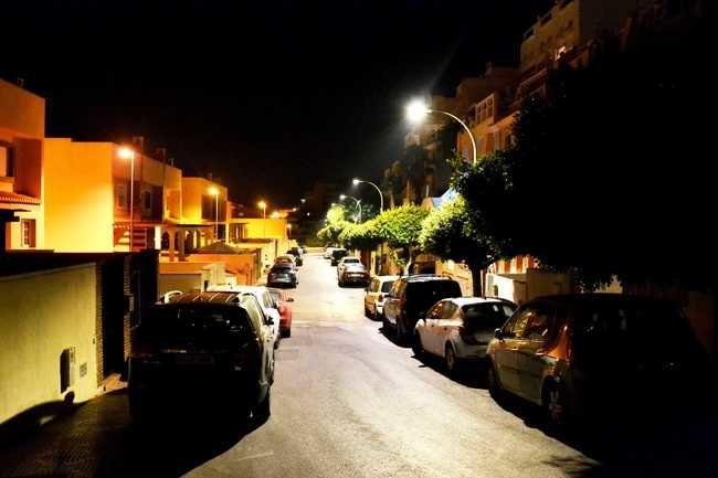 Roquetas de Mar renueva 800 luminarias por luces LED