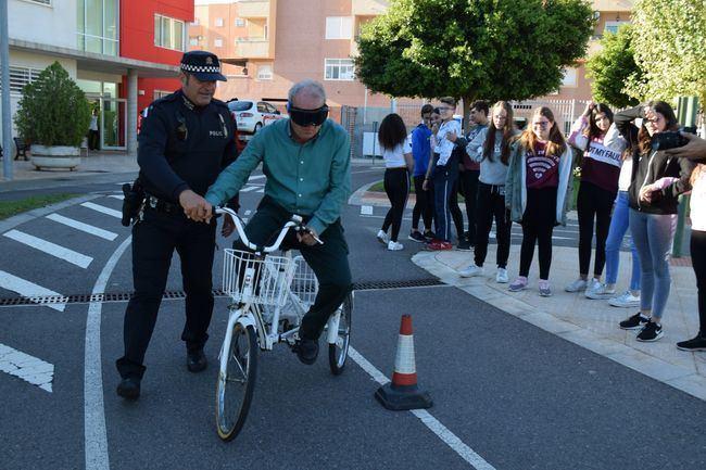 Bonilla clausura en Vícar unas jornadas sobre los efectos de las drogas en la conducción