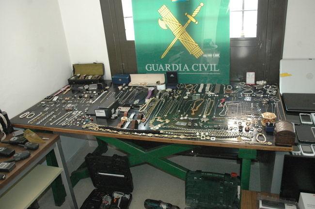 La Guardia Civil desarticula una banda especializada en robos exprés en la Alpujarra