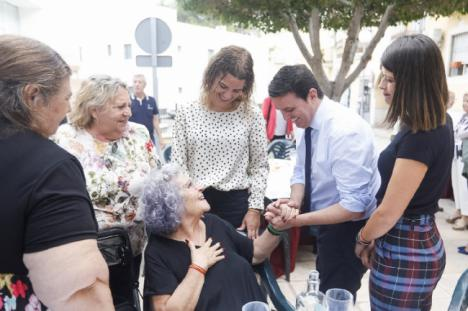 Benahadux homenajea a los más longevos de la Comarca en el 'Día del Mayor'