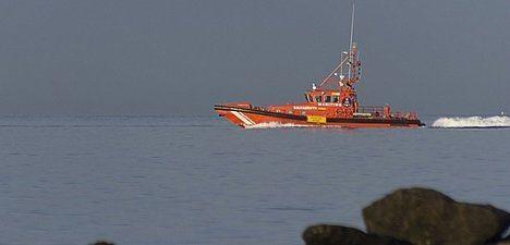 Rescatadas y trasladadas al puerto de Almería dos pateras con 92 personas a bordo