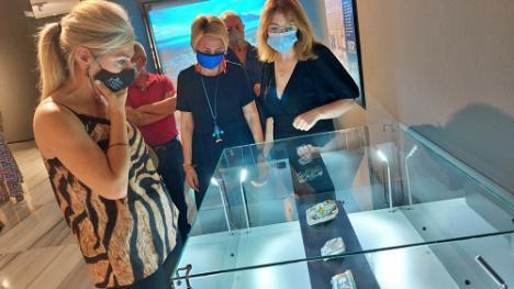 Del Pozo inaugura una exposición sobre la recuperación del Castillo de Vélez Blanco