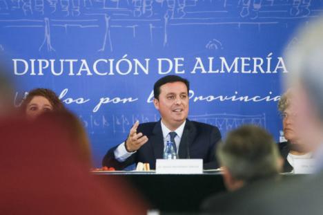 Diputación lanzará una campaña internacional sobre turismo científico e industrial de Almería