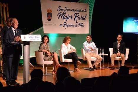 Roquetas centra el debate sobre la mujer en la agricultura en el Día de la Mujer Rural