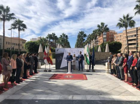 Pastor y García Escudero inauguran en Almería una exposición sobre los 40 años de la Constitución