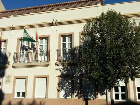 El Ayuntamiento de Dalías no solicitó talleres de empleo por falta de locales pero tiene edificios vacios