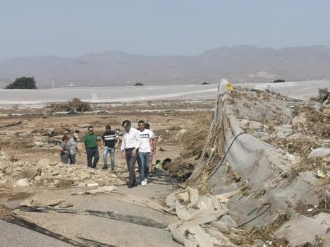 El senador Hernando (PP) visita las zonas afectadas por la DANA en Níjar