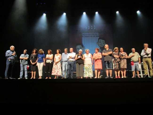 El curso en la Escuela Municipal de Teatro de Roquetas concluye con la entrega de diplomas