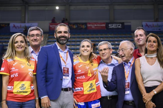 Las 'Guerreras' se imponen a Grecia en Almería en el balonmano femenino