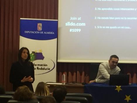 Diputación acerca a los jóvenes de la UAL el empleo en las Instituciones Europeas