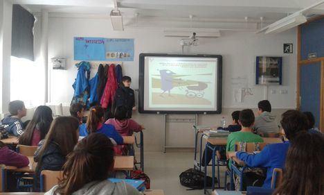 Andalucía Compromiso Digital sensibilizará a niños y jóvenes sobre el uso seguro de internet