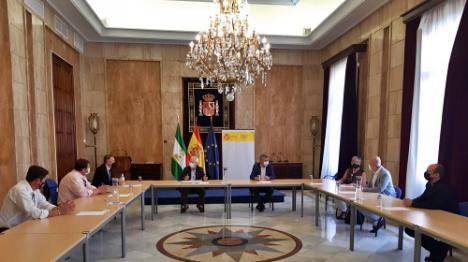 Encuentro en la Subdelegación con el Ayuntamiento de Dalías y de la Hermandad del Cristo de la Luz