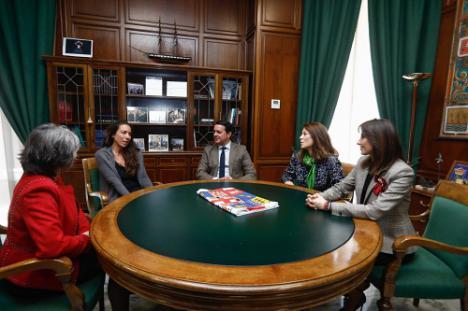 Tres científicas acercan su experiencia a la juventud en Diputación