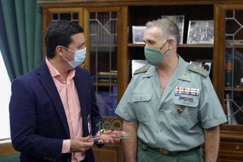 El presidente de Diputación recibe la visita institucional del general de la Brileg