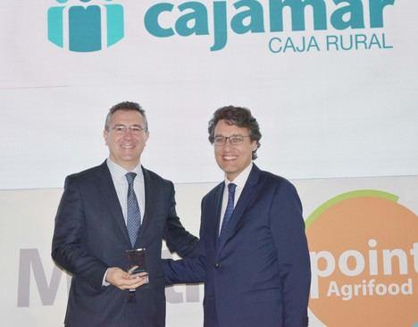Cajamar premiada por su apuesta decidida por el sector agroalimentario