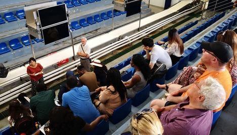 Alumnos de un máster de Comercio Internacional de Salford visitan el Puerto