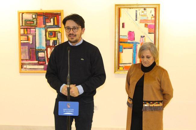 La Galería Alfareros muestra la abstracta 'Geometría Espacial' de María Teresa Artero Viola