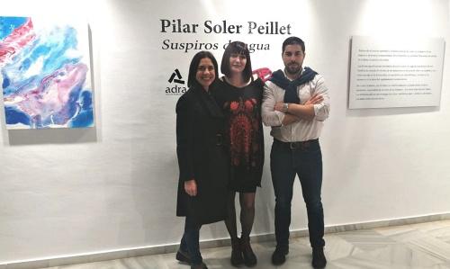 La artista Pilar Soler expone en Adra su colección 'Suspiros de agua'