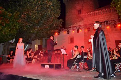 La IV Gala Noche de Verano de Níjar rinde homenaje al Pop