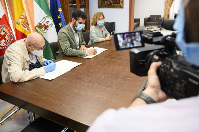 El Ayuntamiento dona 10.000 euros al Banco de Alimentos de Almería