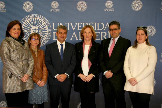 La UAL seguirá con su 'vigilancia ambiental' de los puertos de Almería y Carboneras