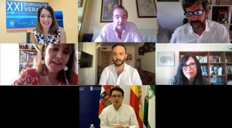 Alberto Rodríguez abre el 'IV Taller de cine' enseñando a convertir una idea en película