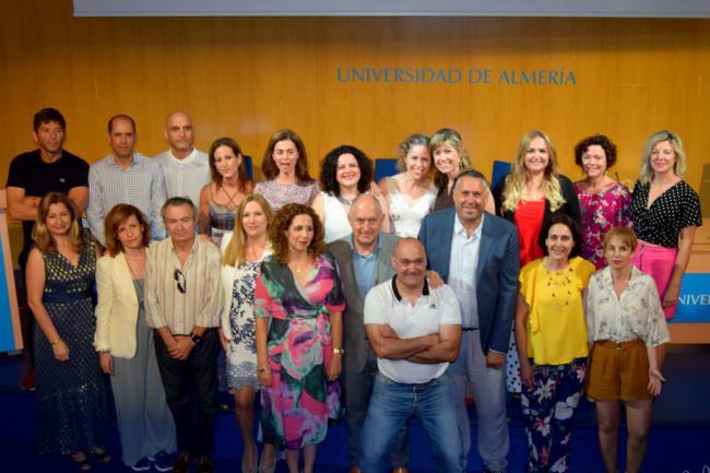 Emotivos 25 años de la primera promoción de Enfermería de la UAL junto a la 1983-86