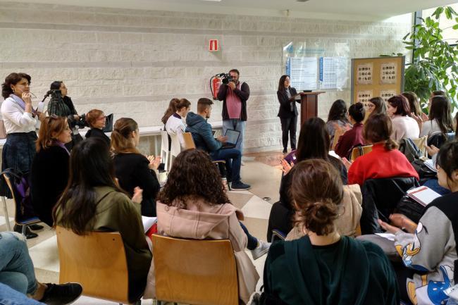 La Biblioteca de la UAL acoge una exposición sobre escritoras españolas