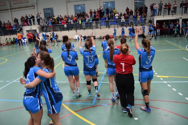 La 'marea azul' de UAL Deportes, completa y lista para abordar los CAU de Granada