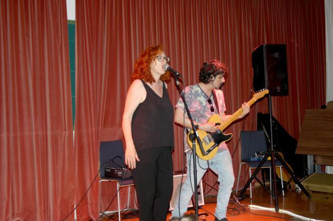 Humanidades se prepara para los exámenes con un concierto de Cover Clap