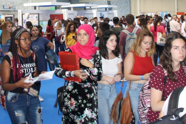 Gran afluencia de estudiantes en la Jornada de Bienvenida de la UAL