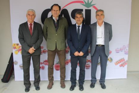 La UAL inaugura el Aula de Sostenibilidad apuntando los retos de la agricultura intensiva