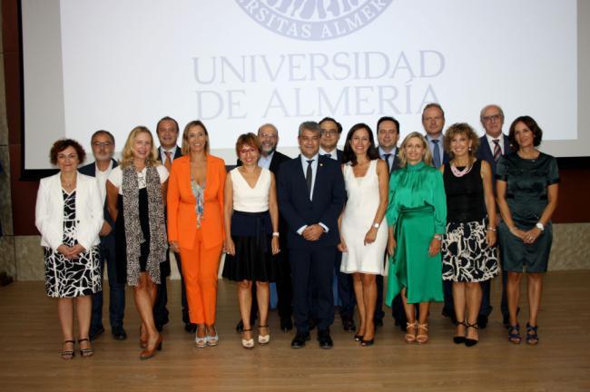 Toma posesión el nuevo equipo de gobierno de la UAL