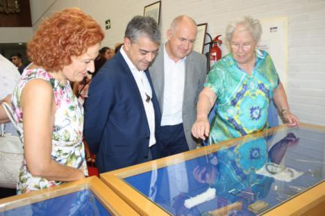 Una exposición en la UAL recorre la historia del instrumental de enfermería